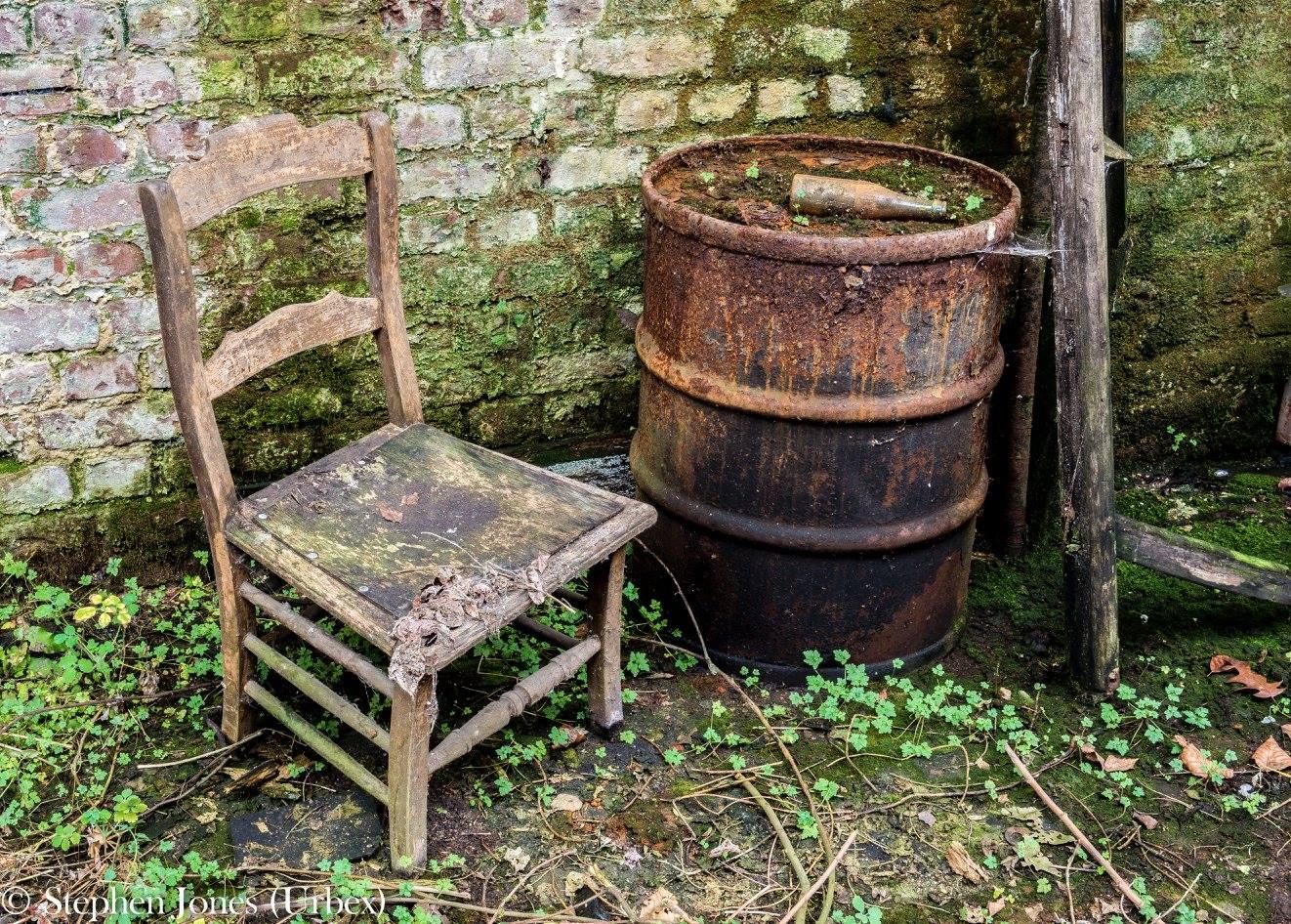 Urbex Belgium chair and barrel