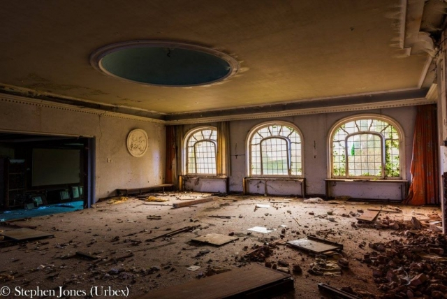 Abandoned dancing hall in old hotel